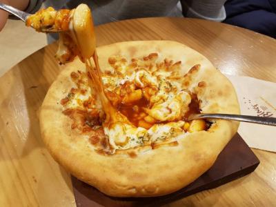 피자?떡볶이? 치즈떡볶이피자 !